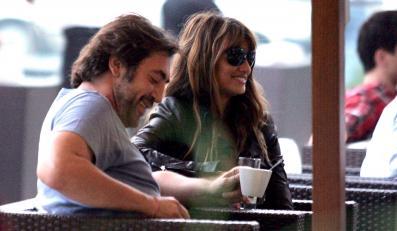 Javier Bardem i Penelope Cruz na kawce