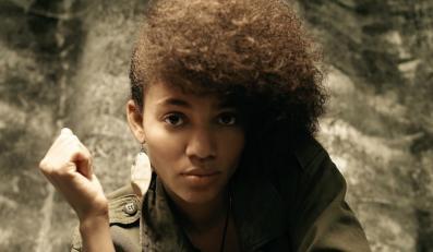 Styl Nneki trudno porównać z czymkolwiek