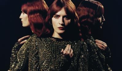Florence Welch spada z wieżowca