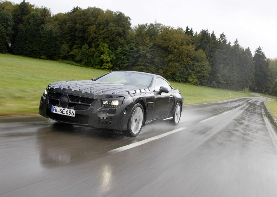 Nowy mercedes SL - jeszcze zamaskowany
