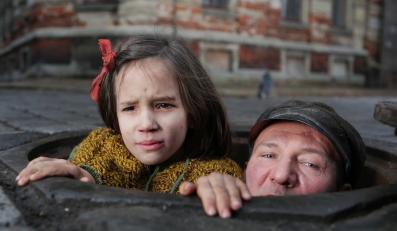 """Robert Więckiewicz w filmie """"W ciemności"""""""
