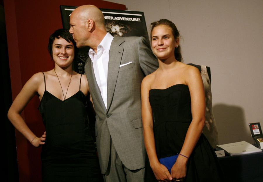 Gdy Bruce Willis odbierał swoją córkę Tallulah z komisariatu, był na nią po prostu wściekły. Panna Willis jechała autem pod wpływem alkoholu.