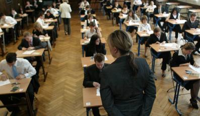 Według wiceministra edukacji, uczniowie na maturze nie mogli mieć wątpliwości, bo są... głupsi