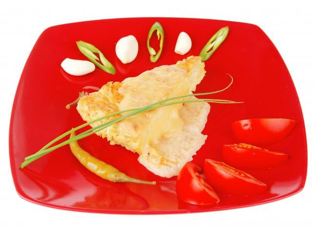 15. Nakładaj na talerz mniejsze porcje jedzenia