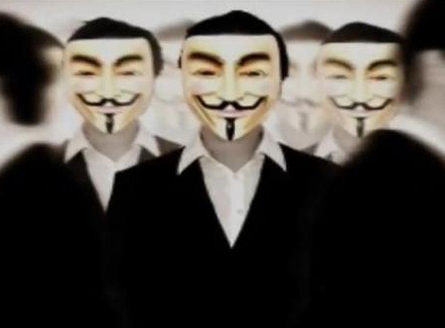Anonymous na Facebooku ujawnia bazy danych
