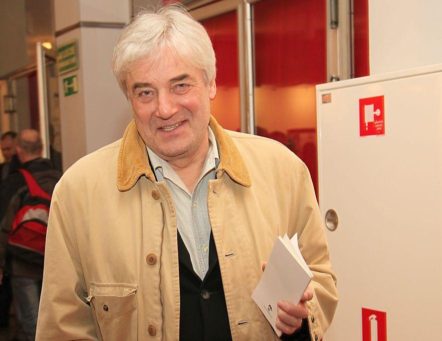 """Andrzej Żuławski. 72-letni reżyser napisał książkę """"Nocnik"""", w której rozpoznała się Weronika Rosati. Na jej wniosek zakazano rozpowszechniania nakładu"""