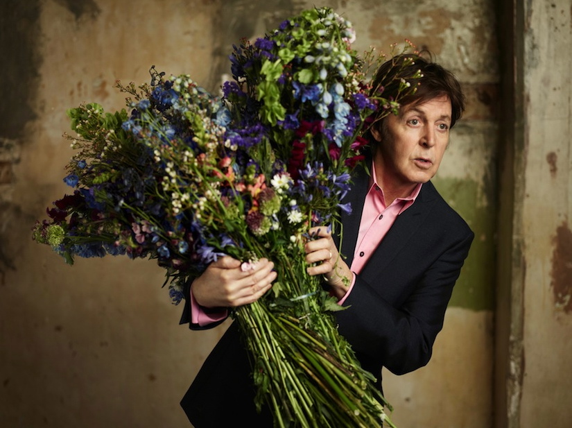 "Paul McCartney na zdjęciu z sesji promującej ostatni album ""Kisses on the Bottom"""