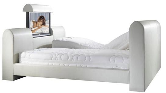Luksusowe łoże z 32-calowym tv