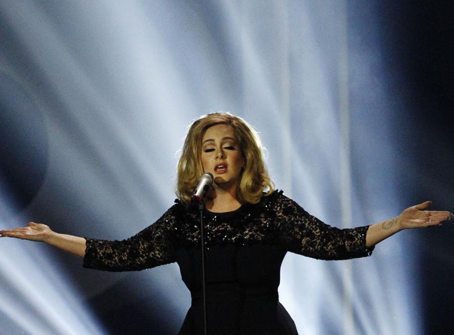 Muzyka Adele pomaga pacjentom podczas zabiegu w znieczuleniu miejscowym