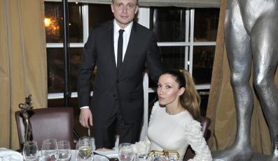 Piotr Adamczyk z żoną