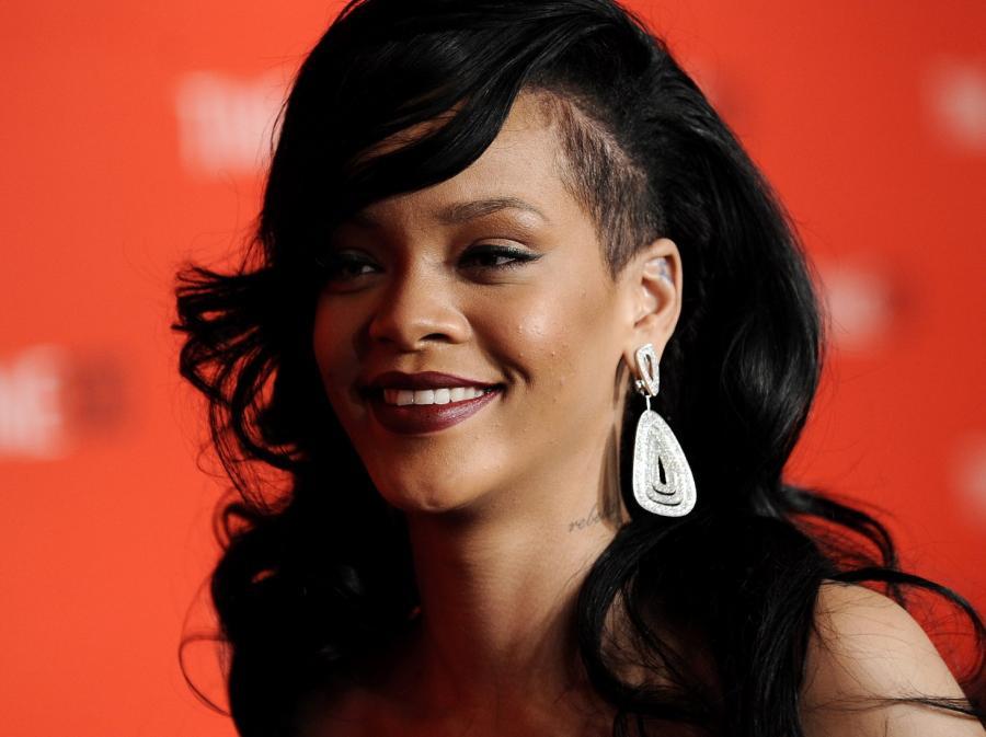 Rihanna wśród \