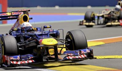Sebastian Vettel w sesji kwalifikacyjnej przed wyścigiem Formuły 1 o Grand Prix Europy w Walencji