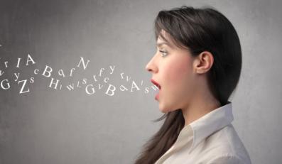 Liczba słów obcego pochodzenia, które wtrącamy do naszych wypowiedz, wciąż rośnie