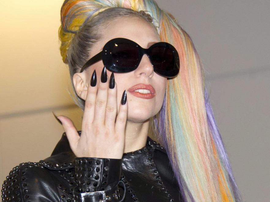 Manicure Lady GaGi
