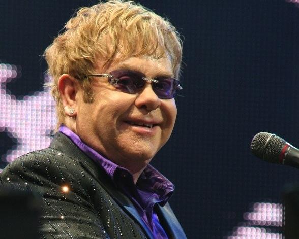 Elton John naraził się w Chinach