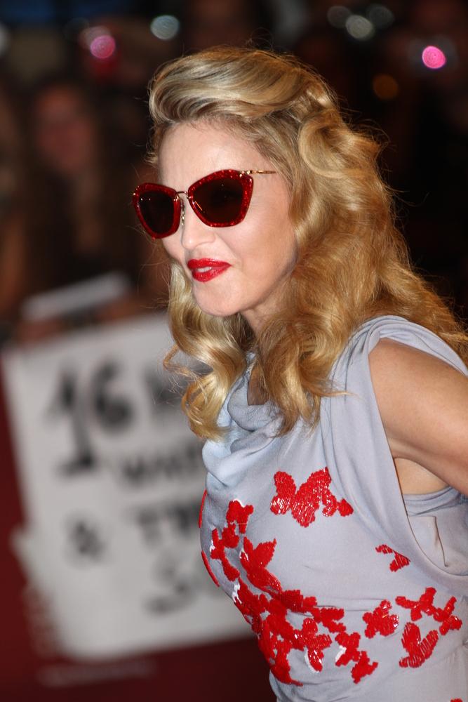 """Madonna na premierze swego filmu """"W.E"""" na festiwalu w Wenecji w 2011 roku"""