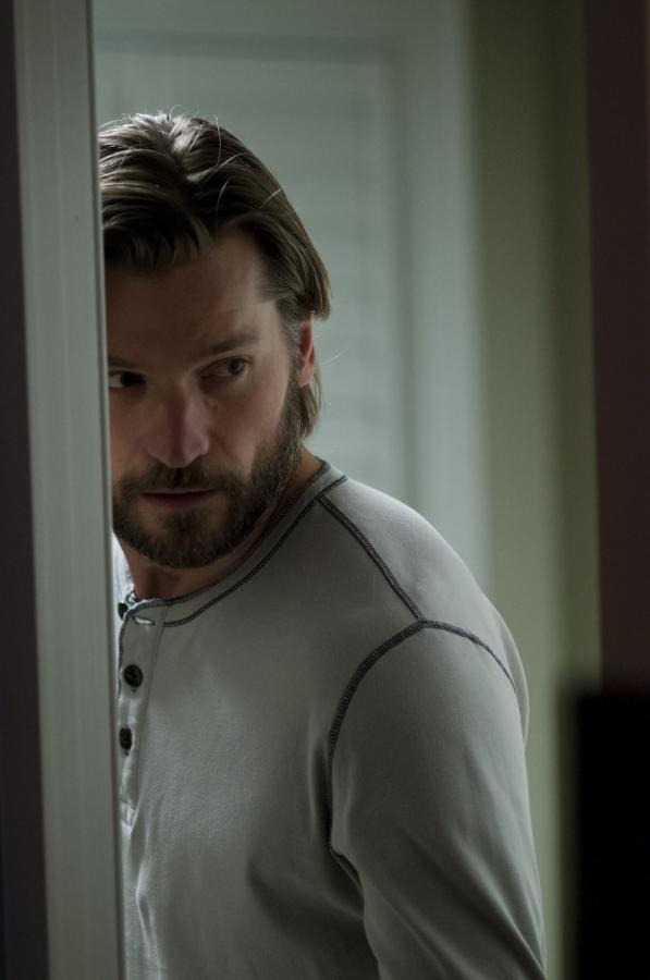 "Nikolaj Coster-Waldau w filmie ""Mama"""