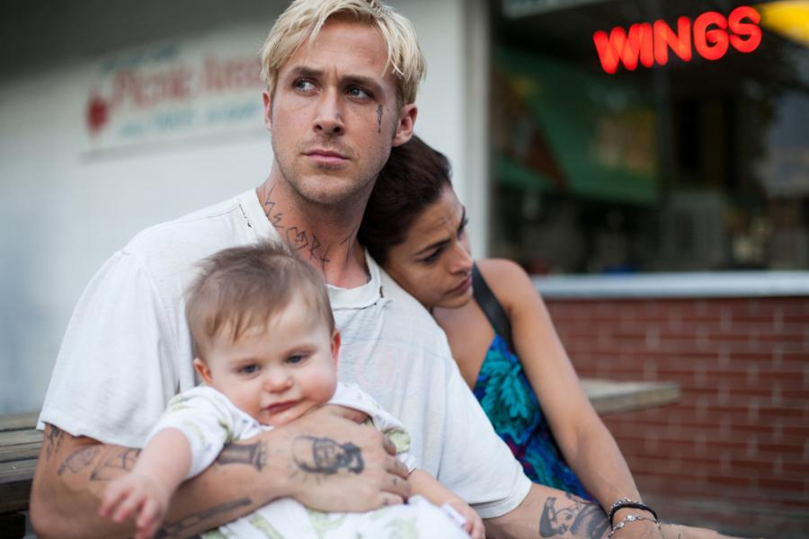 Ryan Gosling i Eva Mendes w filmie \