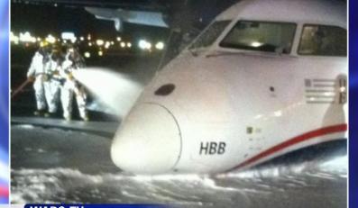 Awaryjne lądowanie bez podwozia w USA