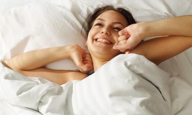 12 sztuczek na lepszy sen. Sprawdź wieczorem!