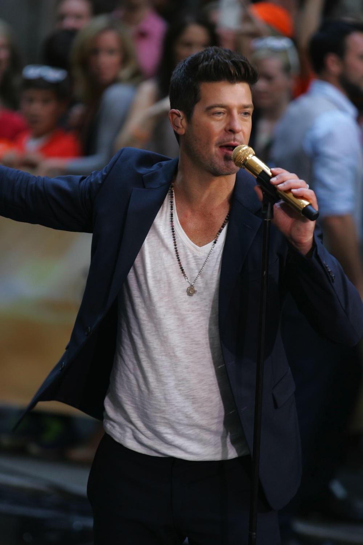 Robin Thicke podczas koncertu przed Rockefeller Center – 30 lipca 2013