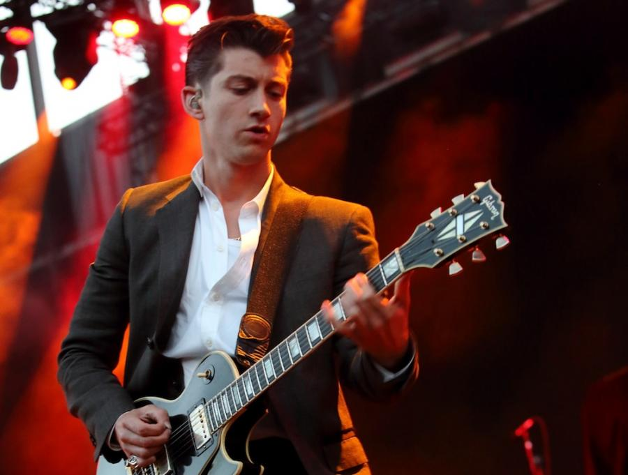 Alex Turner i Arctic Monkeys na festiwalu w Glastonbury