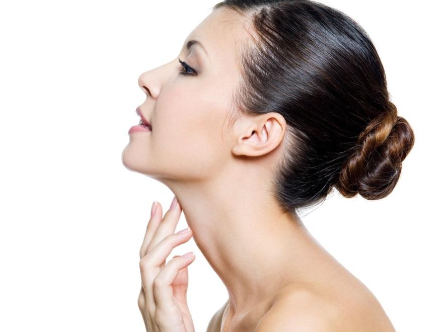 Kobieta z piękną szyją