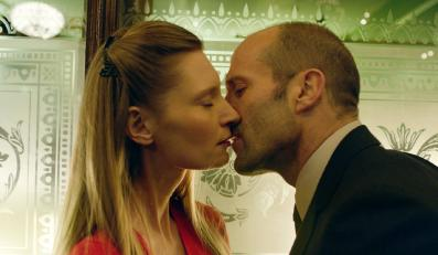 "Jason Statham i Agata Buzek w filmie ""Koliber"""