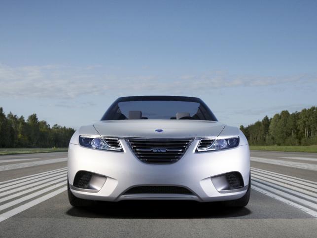 9-X Air kryje pod spodem tradycyjny dla Saaba napęd turbodoładowany