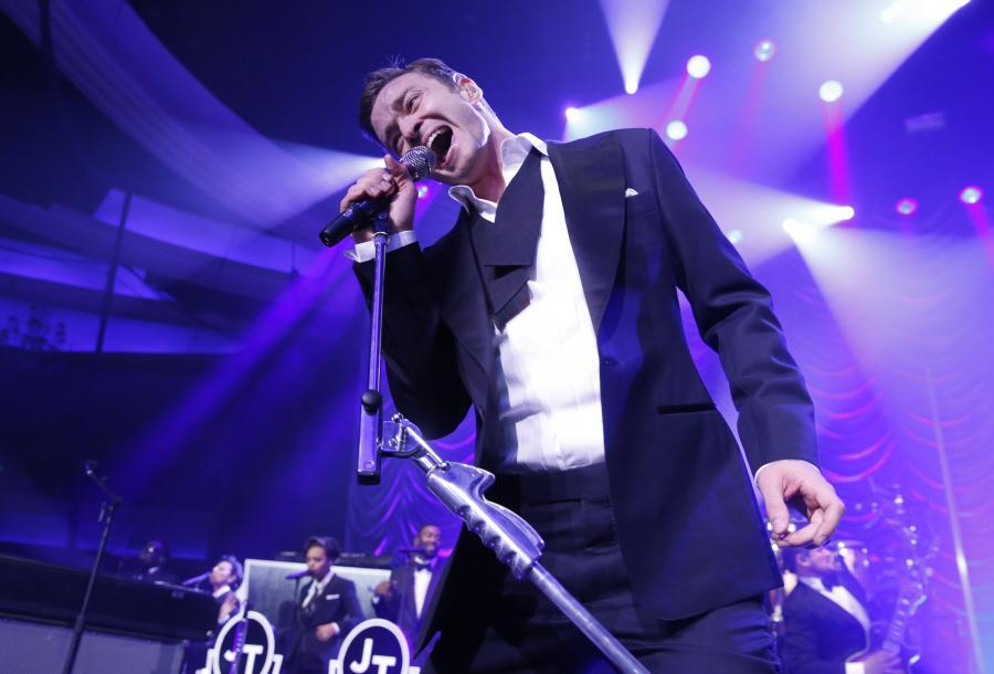 Justin Timberlake podczas występu na gali Grammy –10 luty 2013