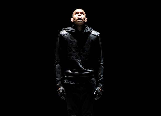Chris Brown podczas występu na gali BET Awards w Los Angeles –30 czrwca 2013