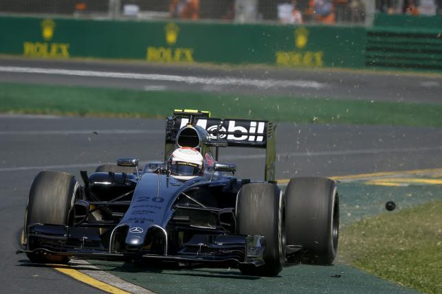 9. Kevin Magnussen (McLaren Mercedes) 1.31,031 (34)
