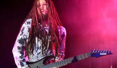 Kolejna książka od gitarzysty Korna