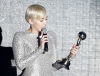 Miley Cyrus ze statuetką World Music Awards 2014