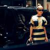 Jennifer Lopez na ulicach Nowego Jorku w kreacji z wiosennej kolekcji marki Emanuel Ungaro