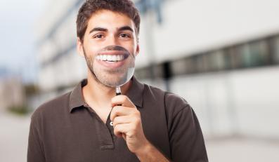 Chcesz mieć białe zęby?