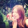 Ada Fijał je jabłka