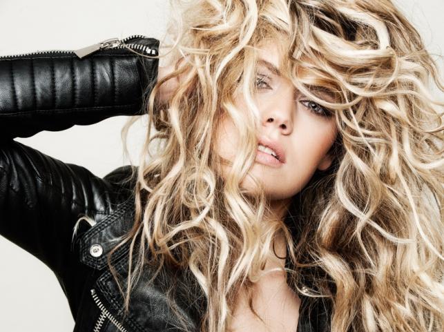 Długie włosy - trendy na jesień 2014 od Balmain Hair Couture