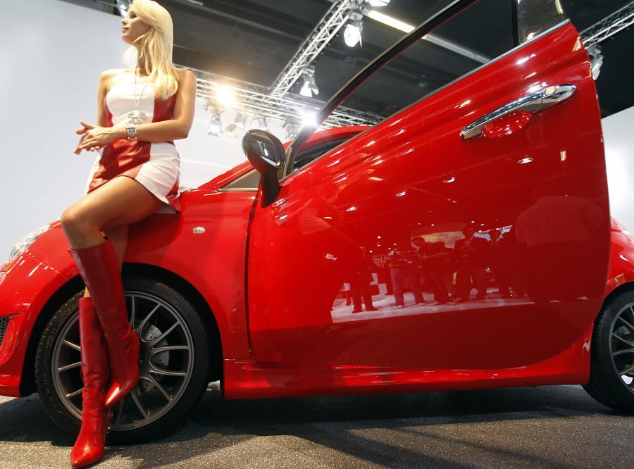 Rekordowa liczba aut z Polski zalewa świat