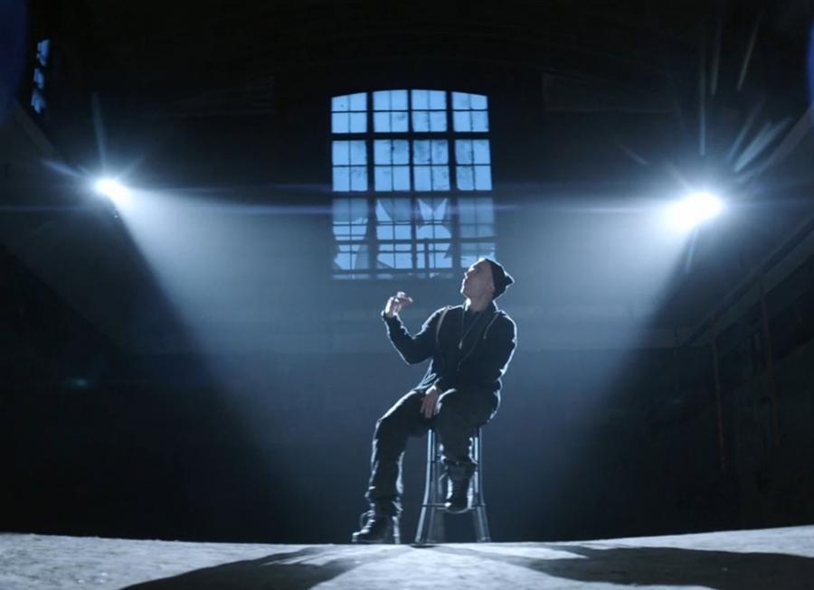 Eminem prezentuje \