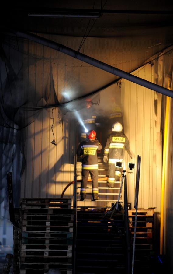 Pożar hali targowej w Broniszach