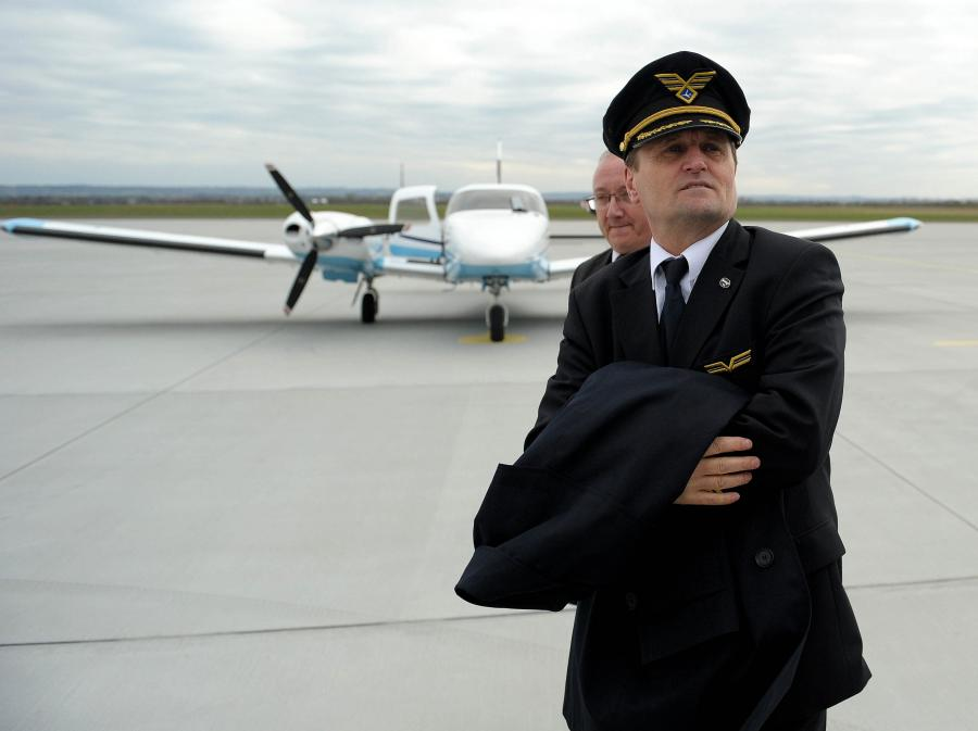 Pilot PLL LOT kapitan Tadeusz Wrona