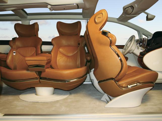Środek auta naszpikowany jest wynalazkami