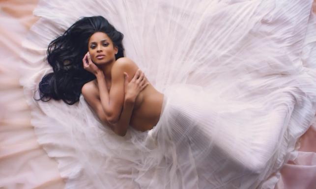 Seksowny powrót: Ciara zmysłowa i roznegliżowana w nowym klipie