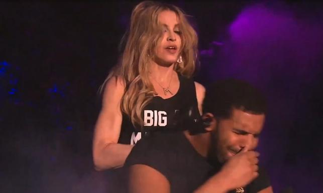 Madonna pocałowała Drake\'a. Jego reakcja... BEZCENNA! [WIDEO]