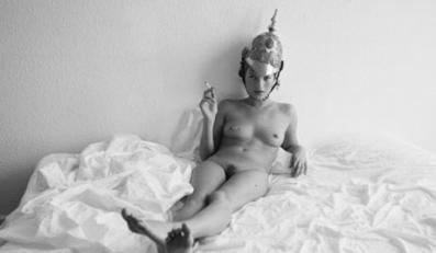 Goła Kate Moss uratuje komuś życie