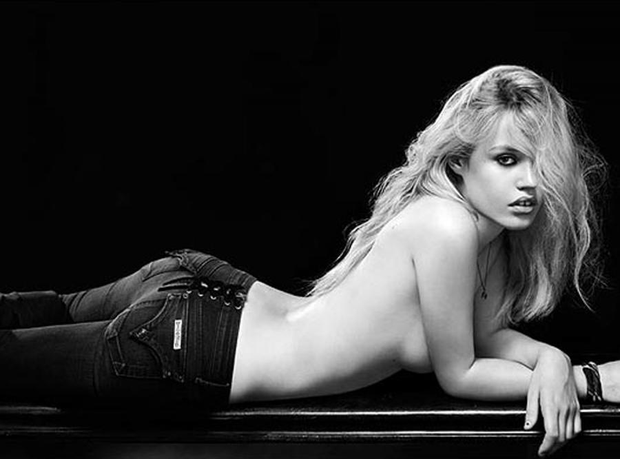 Oto replika Brigitte Bardot