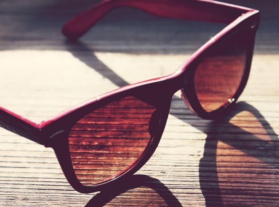 10. Wszystkie okulary przeciwsłoneczne chronią przed promieniami UV