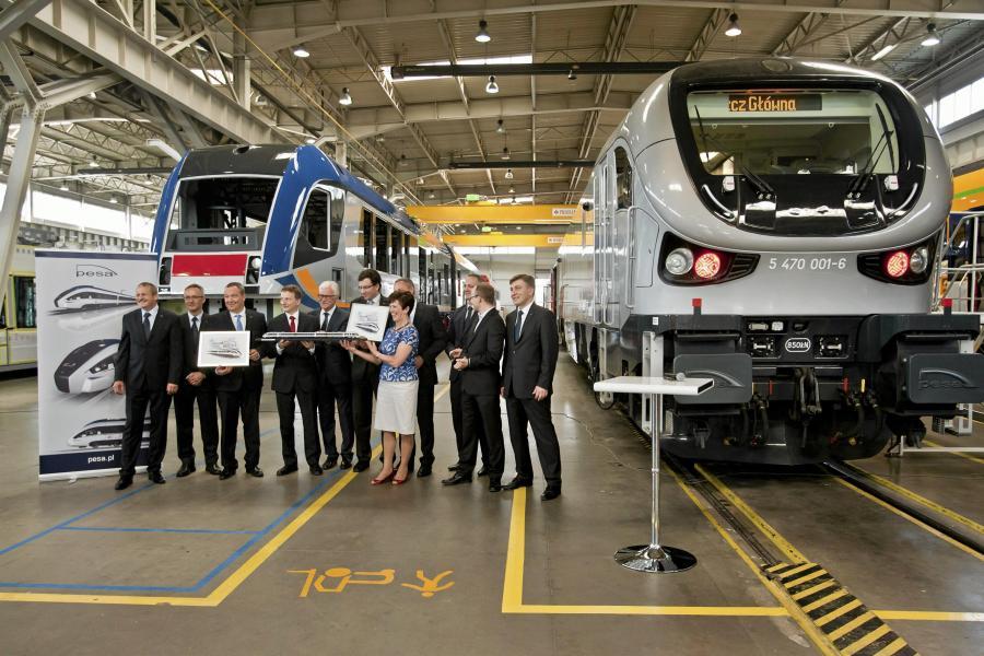 Podpisanie umowy na dostawę pociągów Dart pomiędzy PKP Intercity i Pesą