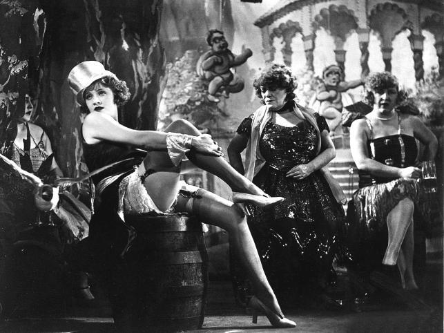 Błękitny Anioł - Marlena Dietrich. Wzdychali do niej nawet młodzi hitlerowcy, a ona nimi gardziła